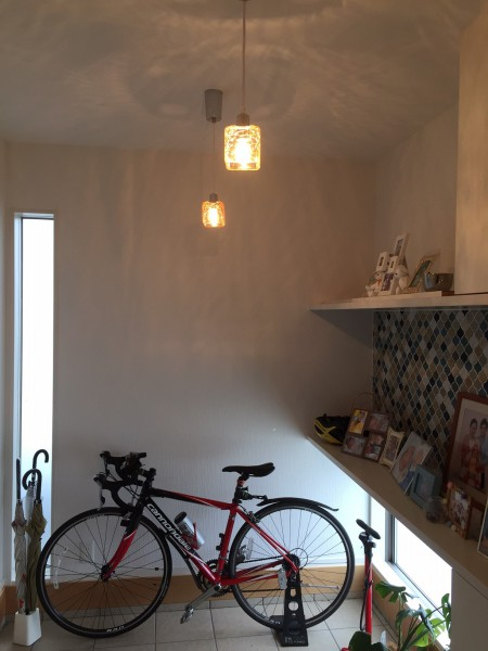 玄関に自転車